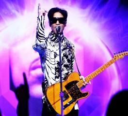 Prince: Υλικό από συναυλίες και videoclip κάνουν και πάλι την εμφάνισή τους στο YouTube
