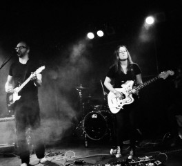 Midas Fall και Raised By Swans σε ελληνική μίνι περιοδεία