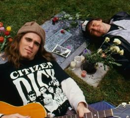 """Επανεκδίδεται το απόλυτο grunge soundtrack, """"Singles"""""""