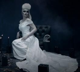 """Η Tarja Turunen εύχεται """"Feliz Navidad"""" στην πληγείσα Καραϊβική"""