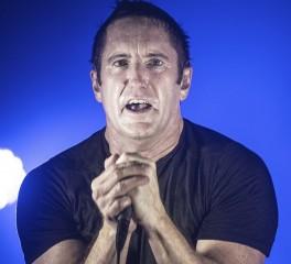 Είναι άραγε ο Trent Reznor το… «ζωντανό άγαλμα»; (video)