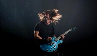 Οι Foo Fighters παρουσιάζουν live ένα καινούργιο τραγούδι (video)