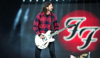 H live επιστροφή των Foo Fighters