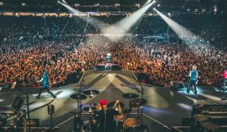 Οι Guns N' Roses μπερδεύουν την Μελβούρνη με το Σίδνεϊ