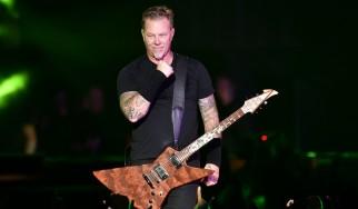O απολιτίκ κύριος Hetfield…