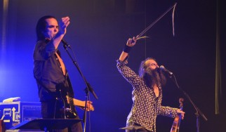 O Nick Cave και o Warren Ellis «ξαναδουλεύουν» κομμάτι από side project μελών των Unkle