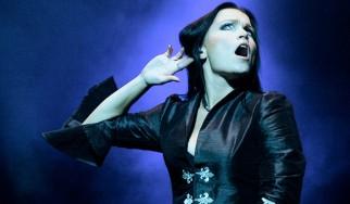 Σκοτεινά Χριστούγεννα με την Tarja
