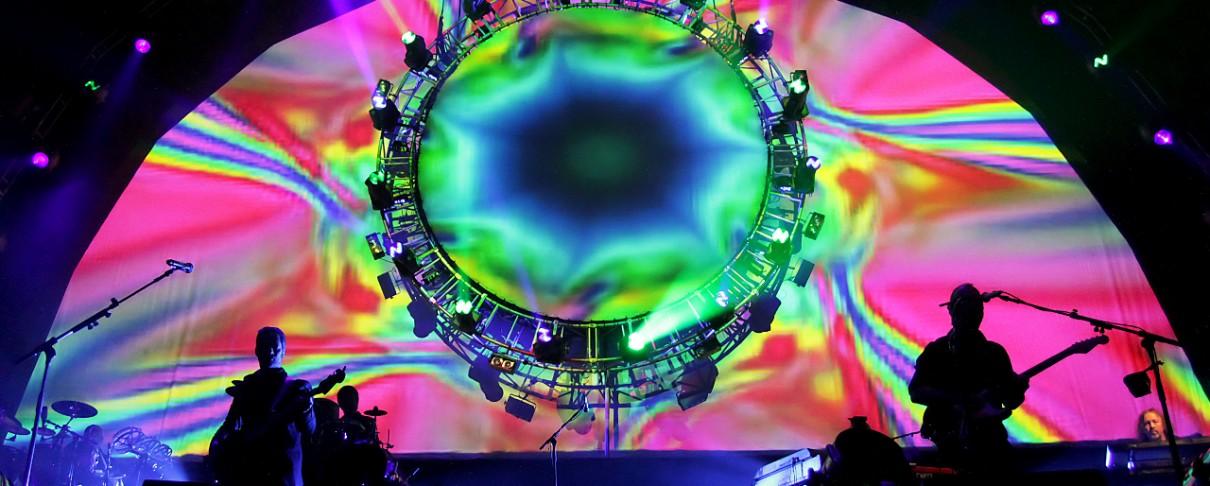"""Οι Brit Floyd φέρνουν το """"Dark Side Of The Moon"""" στην Ελλάδα"""