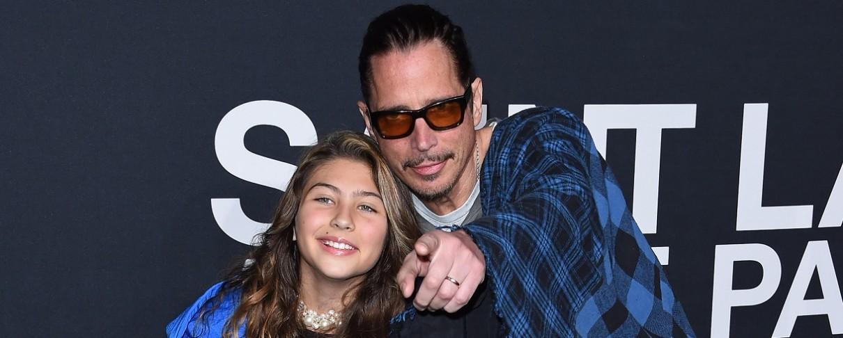 """Ο Chris Cornell και η κόρη του ντουέτο στο """"Nothing Compares 2 U"""""""