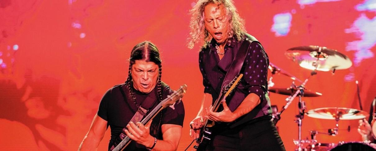 Ο Kirk Hammett και ο Robert Trujillo  διασκευάζουν Michael Schenker
