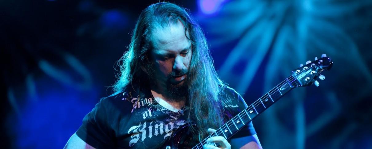 John Petrucci: «Θέλω να παίζω σαν τον Steve Morse»