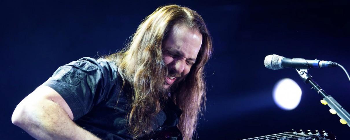John Petrucci: «Δεν γνωρίζω τα καινούρια συγκροτήματα»