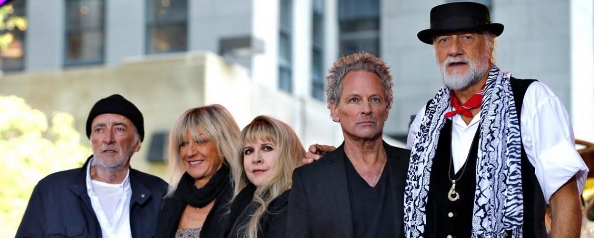 Ο Lindsey Buckingham μηνύει τους Fleetwood Mac