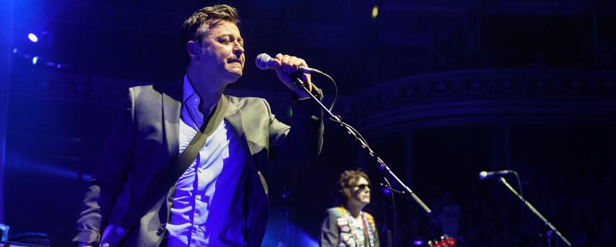 Οι Manic Street Preachers διασκευάζουν Sex Pistols ...«χωρίς συναισθήμα»