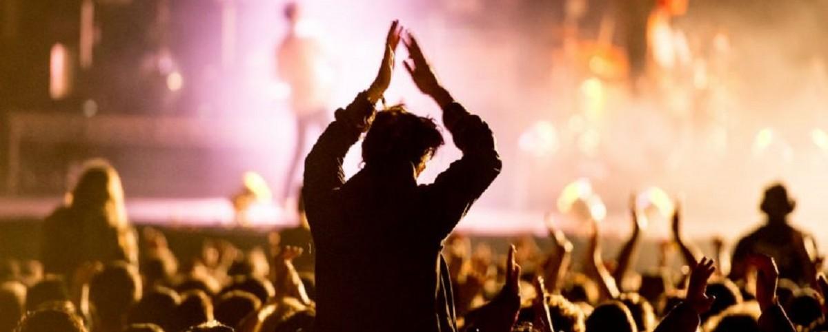 Οι μουσικοί λαμβάνουν μόλις το 12% των εσόδων της μουσικής βιομηχανίας
