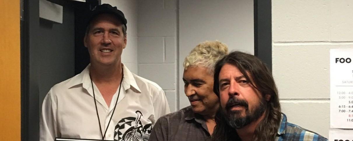 Ο Krist Novoselic συναντά τους πρώην συνοδοιπόρους του στους Nirvana