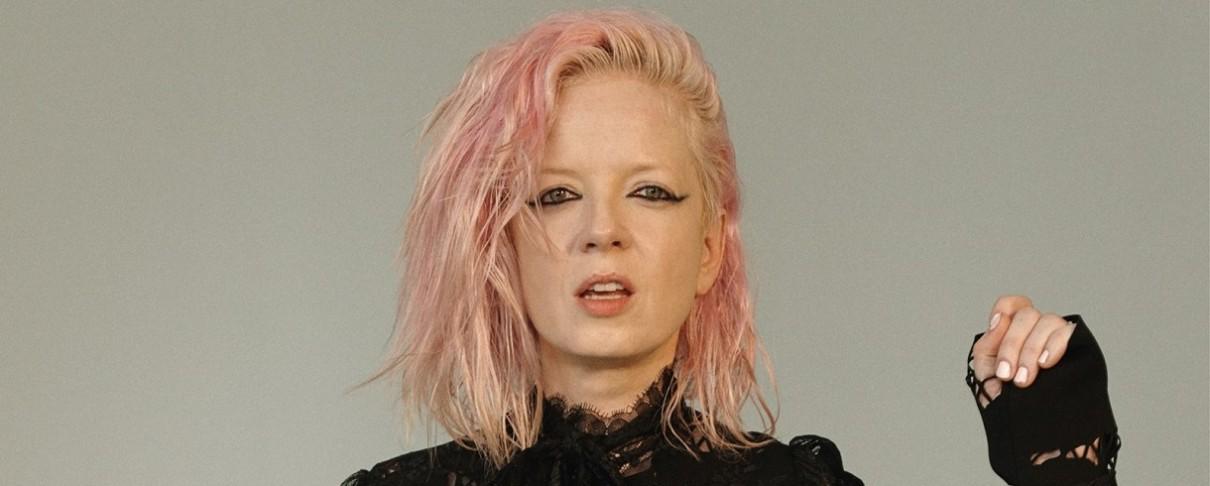 Shirley Manson: «Εκτός από εξαιρετική τραγουδοποιός πρέπει να είσαι όμορφη και ….διαθέσιμη»