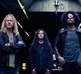 «Αυτοί είναι οι Alice In Chains. Σε όποιον αρέσει…»