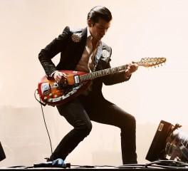 Οι Arctic Monkeys διασκευάζουν Strokes