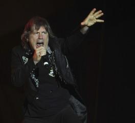 Bruce Dickinson: «Δεν έχω παρακολουθήσει ποτέ συναυλία των ειδώλων μου»