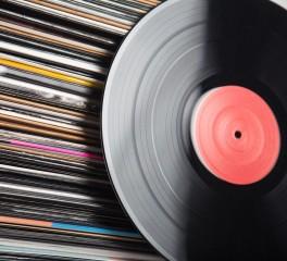 Τα CD «πεθαίνει» τρεις φορές γρηγορότερα από την άνοδο του βινυλίου