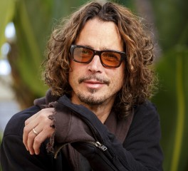 Ο Chris Cornell ερμηνεύει Johnny Cash