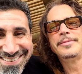 Serj Tankian και Prophets Of Rage τιμούν από σκηνής τον Chris Cornell (video)