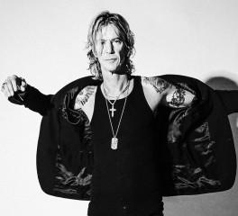 Ο Duff McKagan παίρνει συνέντευξη από τον Sean Penn