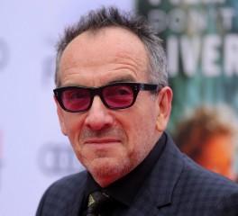 Ο Elvis Costello ακυρώνει εμφανίσεις λόγω σπάνιας μορφής επιθετικού καρκίνου