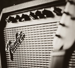 Fender για Gibson: «Αυτά που περνάνε είναι συνέπειες των πράξεών τους»