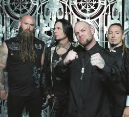 """Five Finger Death Punch: «Ο λόγος που ονομάσαμε το νέο άλμπουμ, """"And Justice For None"""""""