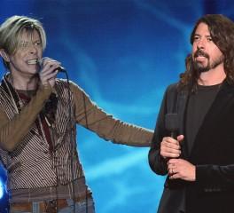 Κυκλοφορεί κομμάτι που είχε γράψει ο Dave Grohl για τον David Bowie