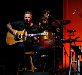 Ένα φιλανθρωπικό unplugged από τους Metallica...