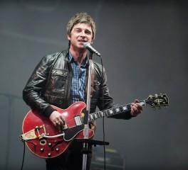 Noel Gallagher: «Το τέλειο σόλο είναι αυτό που μιλάει μέσα σου»