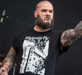 Phil Anselmo: «Με τρομοκρατούν τα όπλα»