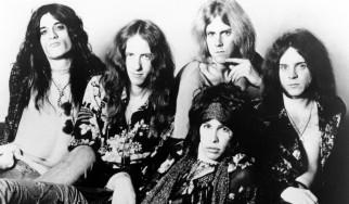 Εγκαταλειμμένο σε δάσος το πρώτο βαν περιοδειών των Aerosmith