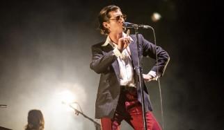 Οι Arctic Monkeys διασκευάζουν White Stripes