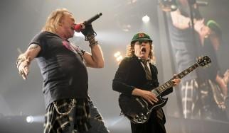 Ετοιμάζει, τελικά, ο Angus Young νέο AC/DC δίσκο με τον Axl Rose;