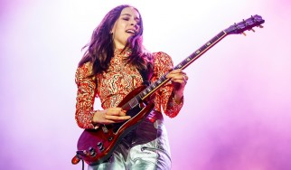 Έρευνα της Fender: «Το 50% των νέων κιθαριστών είναι γυναίκες…»