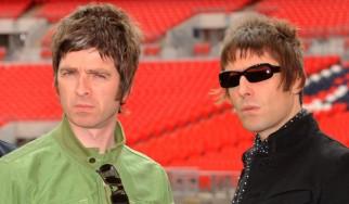 Οι Άγγλοι φίλαθλοι υποδέχονται τον αποκλεισμό τους με …Oasis