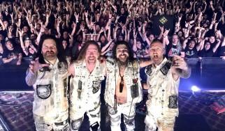 Σεξ στην πρώτη σειρά σε συναυλία των Machine Head!