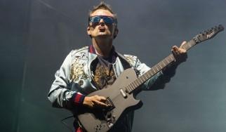 """Ένα… iPad για το εξώφυλλο του νέου άλμπουμ των Muse, """"Simulation Theory"""""""