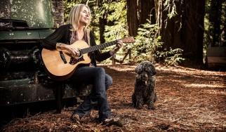 «Έφυγε» από τον κόσμο η Pegi Young, μουσικός και πρώην γυναίκα του Neil Young