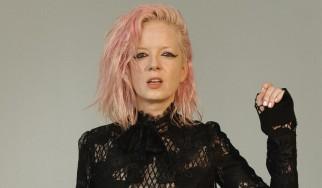 Shirley Manson: «Εκτός από εξαιρετική τραγουδοποιός, πρέπει να είσαι όμορφη και ...διαθέσιμη»