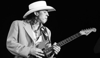Ένα αφιέρωμα στον Stevie Ray Vaughan από 45 μουσικούς (videos)