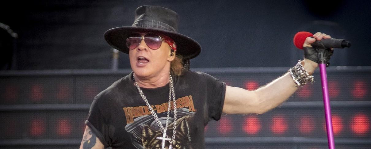 """Οι Guns N' Roses παίζουν το """"Locomotive"""" μετά από 27 χρόνια"""