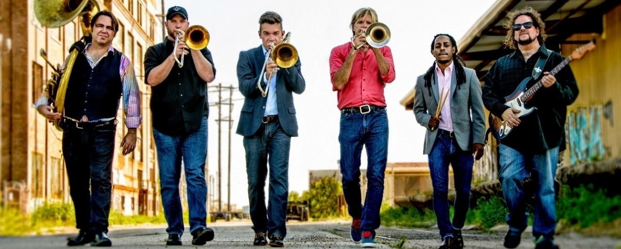 Brass μπάντα από την Νέα Ορλεάνη διασκευάζει Led Zeppelin