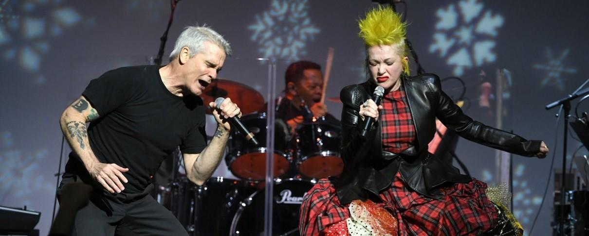 Henry Rollins και Cyndi Lauper αναπολούν τους Black Flag