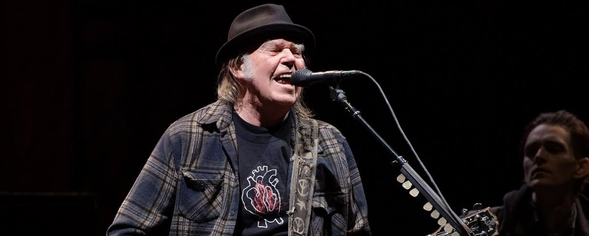 Στα σκαριά νέο άλμπουμ του Neil Young με τους Crazy Horse