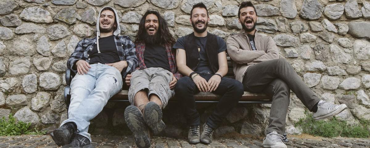 Ακούστε ολόκληρο το νέο άλμπουμ των Villagers Of Ioannina City
